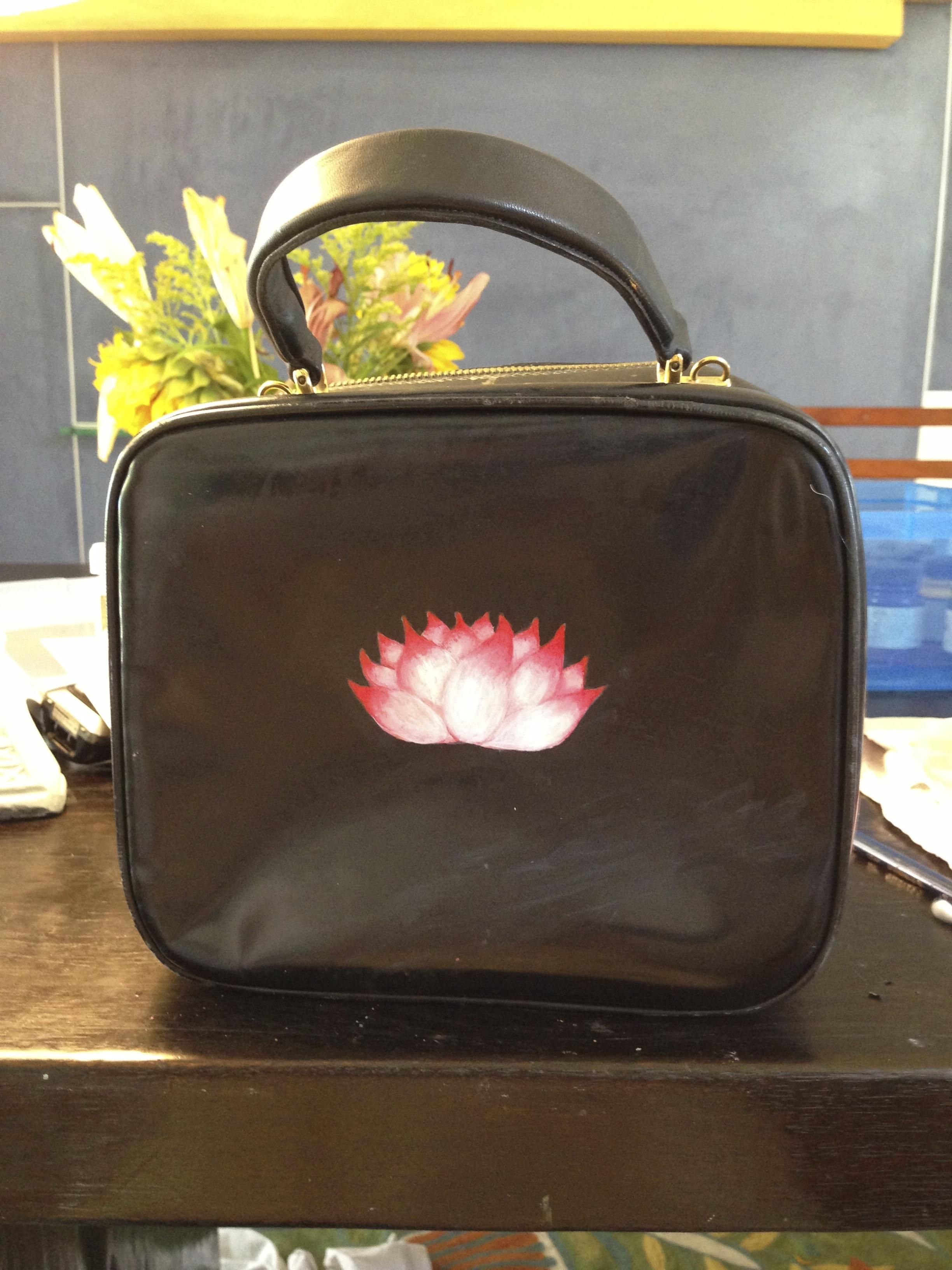 lotus on gucci