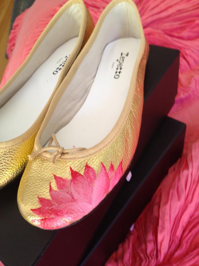 lotus shoe